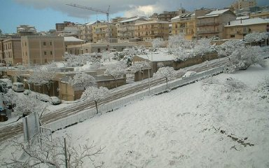 https://www.ragusanews.com//immagini_articoli/23-02-2019/ragusa-sole-potrebbe-nevicare-improvviso-240.jpg
