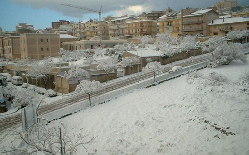 https://www.ragusanews.com//immagini_articoli/23-02-2019/ragusa-sole-potrebbe-nevicare-improvviso-500.jpg