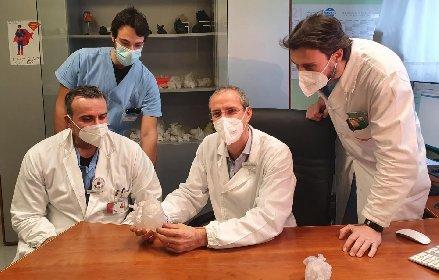 https://www.ragusanews.com//immagini_articoli/23-02-2021/1614075033-la-chirurgia-pediatrica-applica-la-realta-virtuale-1-280.jpg