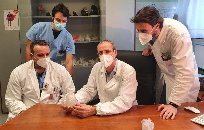 https://www.ragusanews.com//immagini_articoli/23-02-2021/1614075033-la-chirurgia-pediatrica-applica-la-realta-virtuale-1-500.jpg
