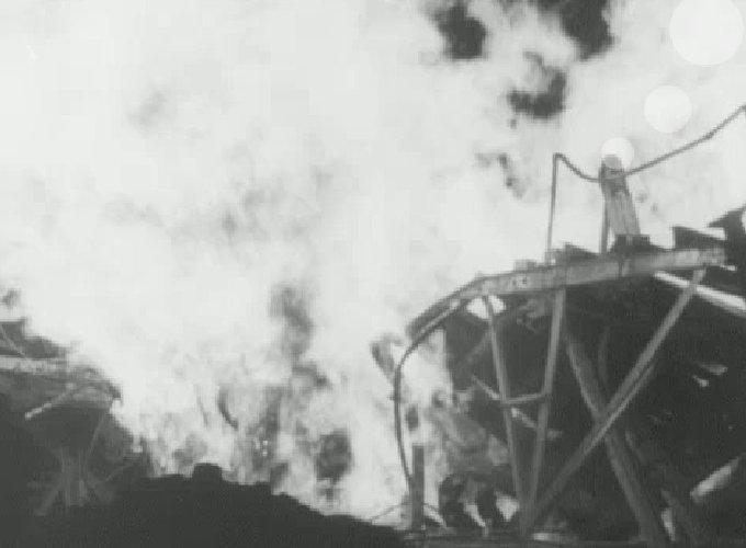 https://www.ragusanews.com//immagini_articoli/23-02-2021/il-rogo-di-ragusa-e-il-mangiatore-di-fuoco-kinley-nel-cinegiornale-del-1955-500.jpg