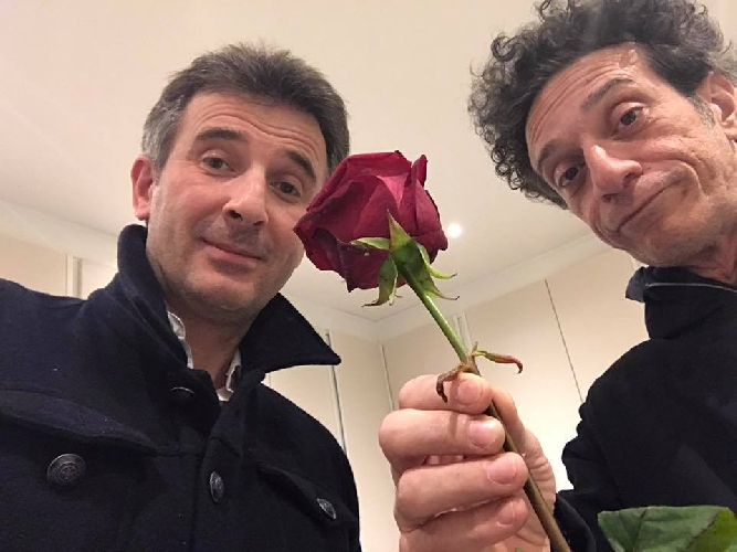 http://www.ragusanews.com//immagini_articoli/23-03-2017/ficarra-picone-recitano-teatro-greco-rane-aristofane-500.jpg