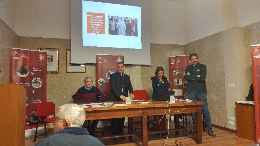 https://www.ragusanews.com//immagini_articoli/23-03-2018/caritas-ragusa-territorio-vecchio-poco-lavoro-500.jpg