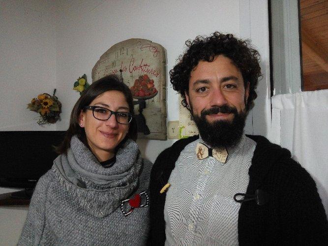 https://www.ragusanews.com//immagini_articoli/23-03-2018/coppia-papillon-legno-orgoglio-siciliano-anzi-ragusano-500.jpg