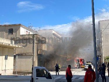 https://www.ragusanews.com//immagini_articoli/23-03-2021/incendio-in-una-casa-in-via-vittorio-veneto-a-ispica-280.jpg