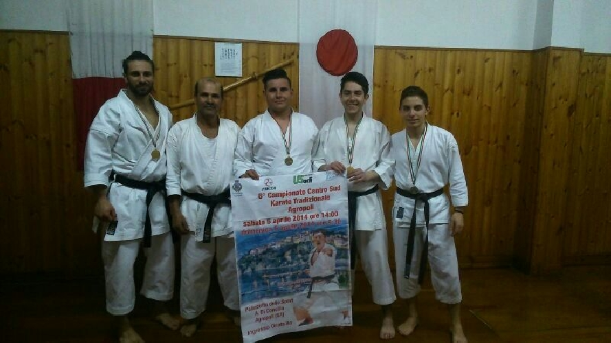 http://www.ragusanews.com//immagini_articoli/23-04-2014/successi-per-la-palestra-karate-shotokan-di-vittoria-500.jpg