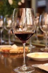 http://www.ragusanews.com//immagini_articoli/23-04-2017/avvicinamento-vino-centro-storico-comiso-240.jpg
