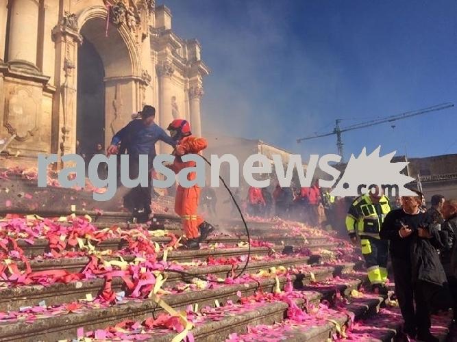 http://www.ragusanews.com//immagini_articoli/23-04-2017/tragedia-sfiorata-festa-giorgio-500.jpg