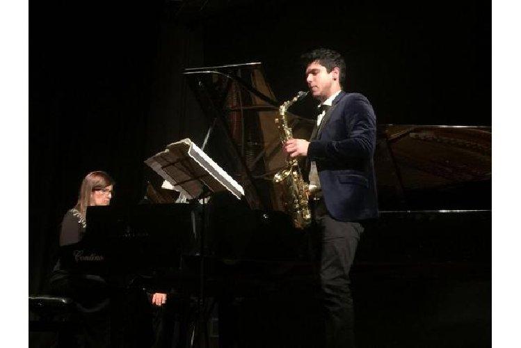 https://www.ragusanews.com//immagini_articoli/23-04-2019/il-duo-oblivion-in-concerto-a-ragusa-500.jpg