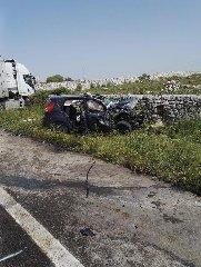 https://www.ragusanews.com//immagini_articoli/23-04-2019/incidente-ragusa-mare-auto-tir-240.jpg