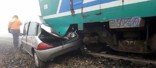 https://www.ragusanews.com//immagini_articoli/23-04-2019/treno-travolge-auto-a-noto-un-morto-e-un-ferito-240.jpg