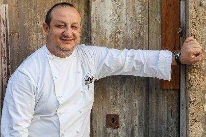 https://www.ragusanews.com//immagini_articoli/23-04-2021/ciccio-sultano-l-assurdita-di-aprire-i-cinema-per-tenere-chiusi-i-ristoran-280.jpg