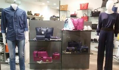 http://www.ragusanews.com//immagini_articoli/23-05-2017/arpel-vendita-promozionale-negozio-pozzallo-240.jpg