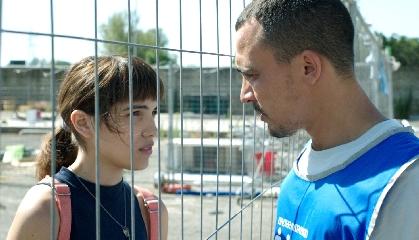 http://www.ragusanews.com//immagini_articoli/23-05-2017/cuori-puri-cannes-giovane-attrice-siciliana-trailer-240.jpg