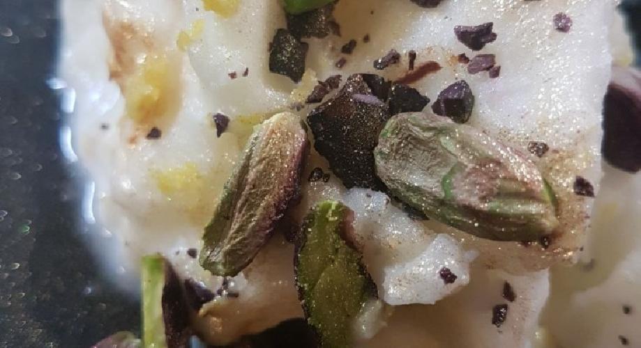 https://www.ragusanews.com//immagini_articoli/23-05-2017/granita-pistacchio-bronte-cioccolato-modica-500.jpg