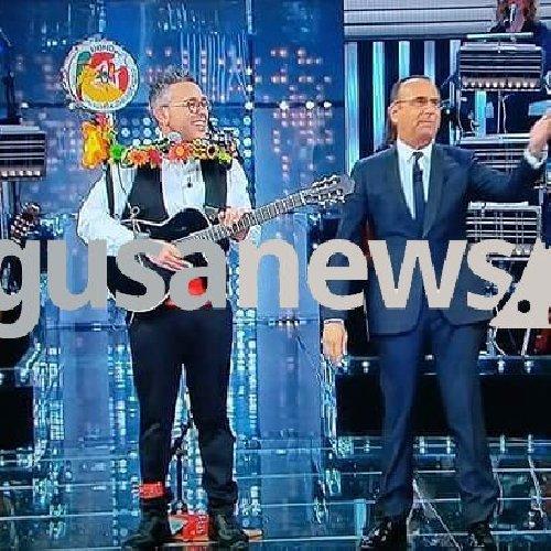 https://www.ragusanews.com//immagini_articoli/23-05-2018/uomo-orchestra-giarratana-reduce-corrida-racconta-video-500.jpg