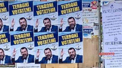 https://www.ragusanews.com//immagini_articoli/23-05-2019/i-finti-manifesti-di-salvini-in-sicilia-terroni-votatemi-240.jpg