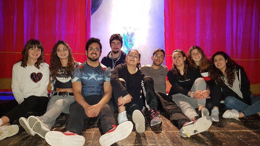 https://www.ragusanews.com//immagini_articoli/23-05-2019/la-lampada-di-aladino-in-teatro-a-ragusa-500.jpg