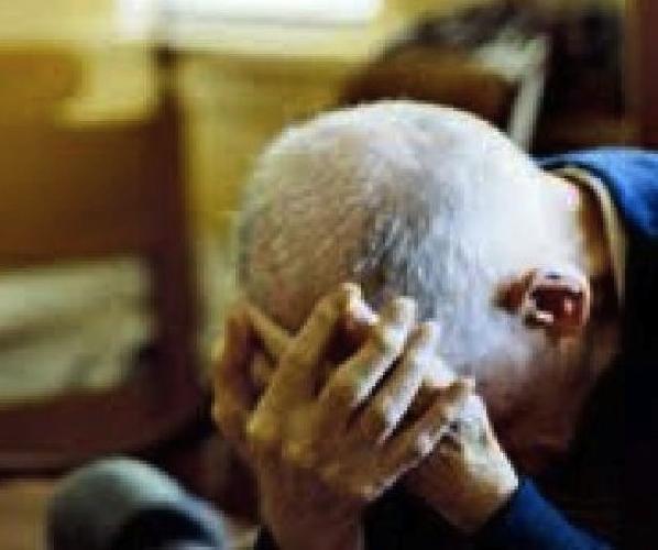 http://www.ragusanews.com//immagini_articoli/23-06-2015/si-suicida-un-anziano-500.jpg