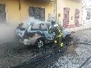 http://www.ragusanews.com//immagini_articoli/23-06-2016/a-fuoco-un-auto-e-un-furgone-100.jpg