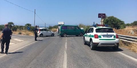 http://www.ragusanews.com//immagini_articoli/23-06-2017/incidente-provinciale-ispicapozzallo-ferite-donne-240.jpg