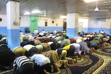 http://www.ragusanews.com//immagini_articoli/23-06-2017/rappresentante-comunit-islamica-espelliamo-estremisti-240.jpg