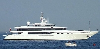 http://www.ragusanews.com//immagini_articoli/23-06-2017/yacht-moneikos-seconda-famiglia-ricca-ditalia-siracusa-100.jpg