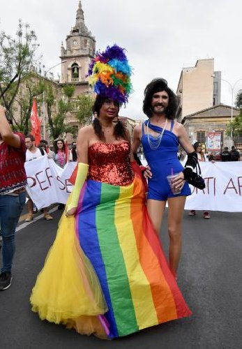 https://www.ragusanews.com//immagini_articoli/23-06-2018/festa-pride-catania-500.jpg