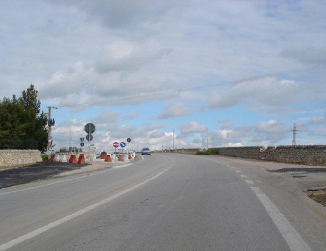 https://www.ragusanews.com//immagini_articoli/23-06-2018/manutenzione-strade-provinciali-milioni-regione-500.jpg