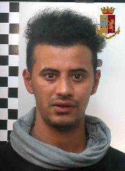 https://www.ragusanews.com//immagini_articoli/23-06-2018/rapinano-giovane-vittoria-arrestati-tunisini-240.jpg