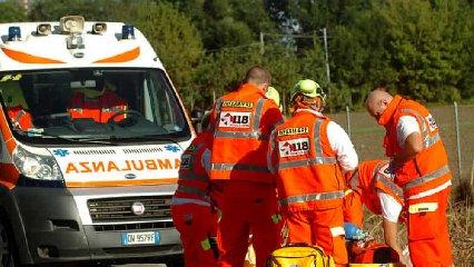 https://www.ragusanews.com//immagini_articoli/23-06-2019/incidente-viadotto-per-modica-alta-tre-feriti-240.jpg
