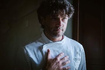 https://www.ragusanews.com//immagini_articoli/23-06-2020/1592908477-riapre-il-ristorante-il-cenobio-a-ragusa-2-240.jpg