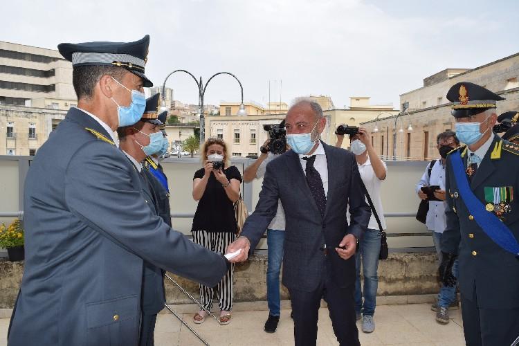 https://www.ragusanews.com//immagini_articoli/23-06-2021/1624458756-247-anni-dalla-fondazione-del-corpo-la-festa-della-finanza-a-ragusa-foto-1-500.jpg