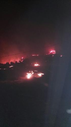 http://www.ragusanews.com//immagini_articoli/23-07-2017/incendio-nellarea-forestale-giarratana-500.jpg