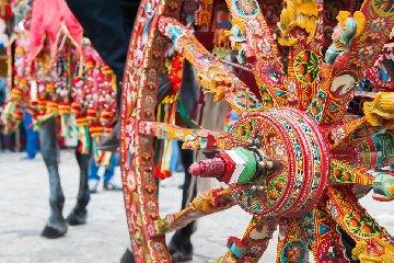 https://www.ragusanews.com//immagini_articoli/23-07-2018/giarratana-prima-festa-folklore-siciliano-240.jpg