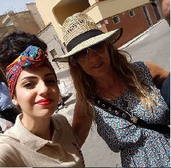 https://www.ragusanews.com//immagini_articoli/23-07-2018/sarah-jessica-parker-marzamemi-240.jpg