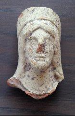https://www.ragusanews.com//immagini_articoli/23-07-2019/archeologia-un-cimitero-arabo-a-chiaramonte-240.jpg