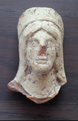 https://www.ragusanews.com//immagini_articoli/23-07-2019/archeologia-un-cimitero-arabo-a-chiaramonte-500.jpg
