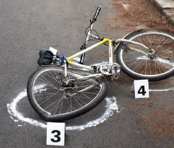 http://www.ragusanews.com//immagini_articoli/23-08-2014/ciclista-investito-da-motociclista-500.jpg