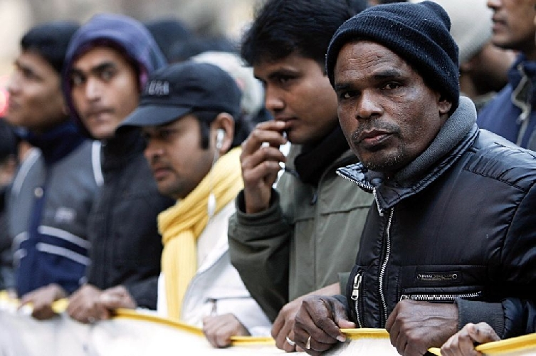 http://www.ragusanews.com//immagini_articoli/23-08-2014/episodi-di-protesta-di-giovani-immigrati-avvenuti-ad-ispica-500.jpg