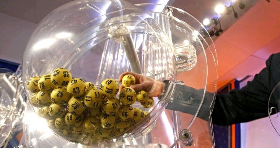 http://www.ragusanews.com//immagini_articoli/23-08-2017/ferragosto-fortunato-vittoriese-vinti-62380-euro-lotto-500.jpg