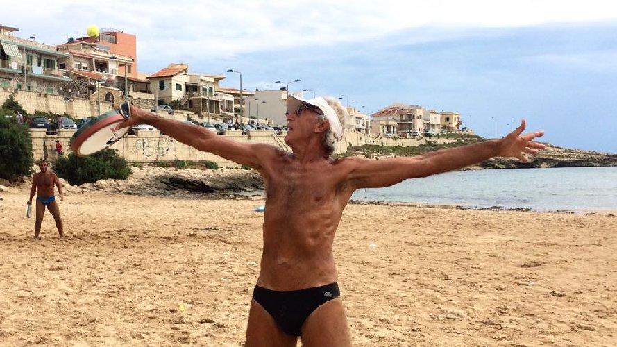 https://www.ragusanews.com//immagini_articoli/23-08-2018/estati-peppino-tamburello-gesto-atletico-500.jpg