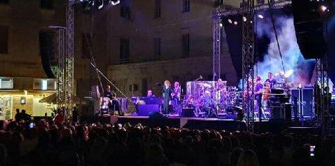 https://www.ragusanews.com//immagini_articoli/23-08-2019/quanto-e-costato-il-concerto-di-fiorella-mannoia-ai-ragusani-240.jpg