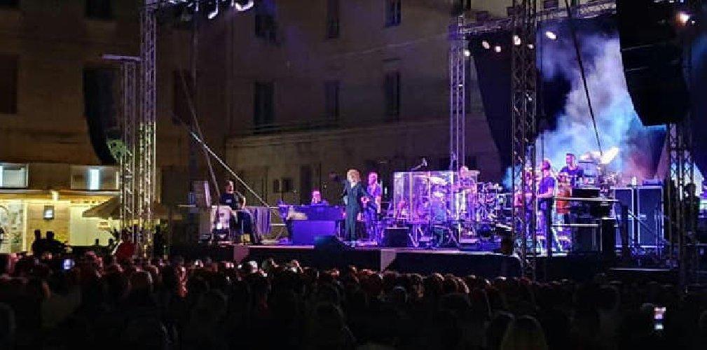 https://www.ragusanews.com//immagini_articoli/23-08-2019/quanto-e-costato-il-concerto-di-fiorella-mannoia-ai-ragusani-500.jpg
