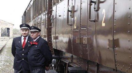 https://www.ragusanews.com//immagini_articoli/23-08-2019/treni-gusto-citta-barocco-240.jpg