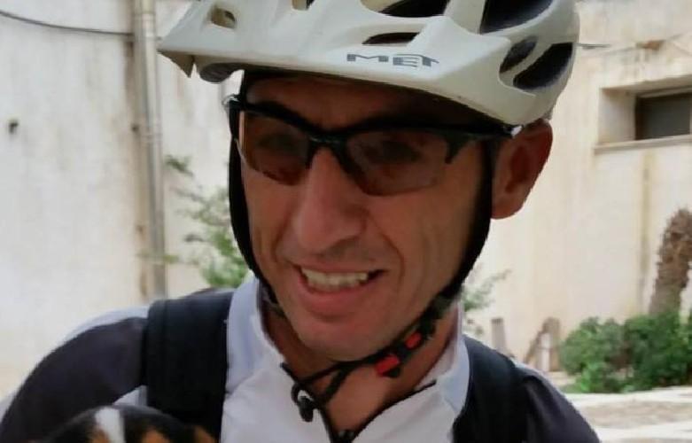 https://www.ragusanews.com//immagini_articoli/23-08-2020/ciclista-ucciso-da-un-pirata-della-strada-500.jpg