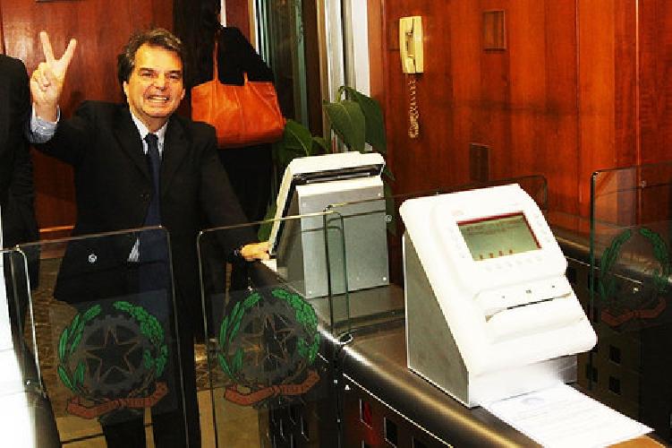 https://www.ragusanews.com//immagini_articoli/23-09-2011/assenteismo-al-centro-prenotazioni-unico-di-modica-22-avvisati-500.jpg