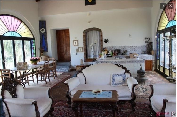 http://www.ragusanews.com//immagini_articoli/23-09-2014/ultimi-7-giorni-per-comprare-la-casa-di-lucio-dalla-a-milo-500.jpg