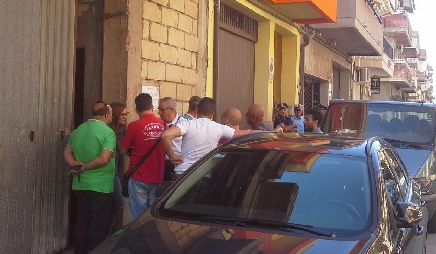 http://www.ragusanews.com//immagini_articoli/23-09-2015/rinviato-al-5-novembre-lo-sfratto-guarascio-500.jpg