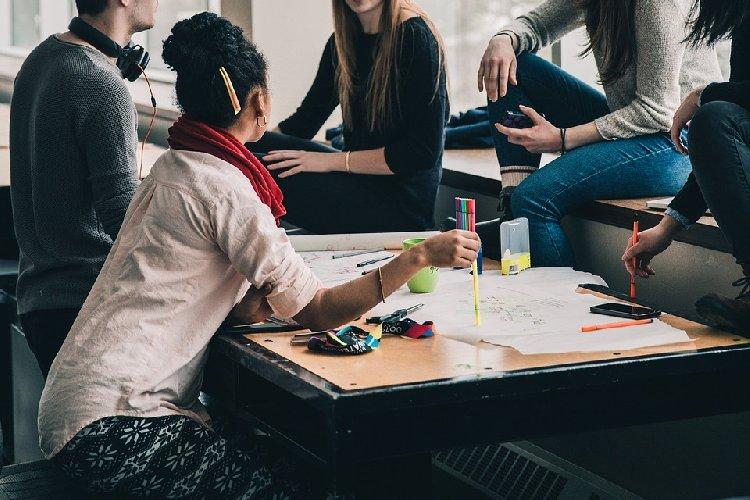 https://www.ragusanews.com//immagini_articoli/23-09-2019/dieta-per-gli-studenti-alimenti-che-aiutano-la-concentrazione-e-la-memoria-500.jpg